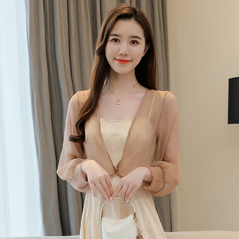 Spring and summer 2020 womens Chiffon shawl sunscreen clothing pure color thin fashion atmosphere celebrity style