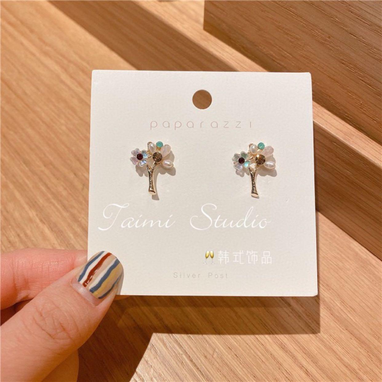 Original handmade Baroque fresh water pearl earrings fashion natural stone flower earrings personality Leaf Earrings female
