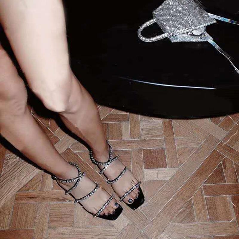 2021 summer new crystal heel square head thick heel Rhinestone sandals fairy style open toe high heel one line Roman shoes