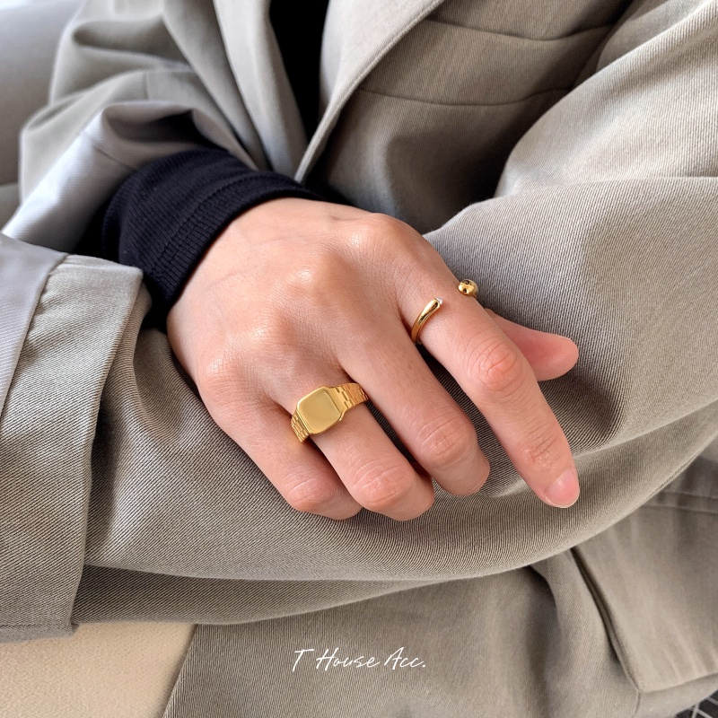 Creative design watch shape ring street shot trendsetter index finger ring titanium steel plated 18 gold strong color retaining couple ring