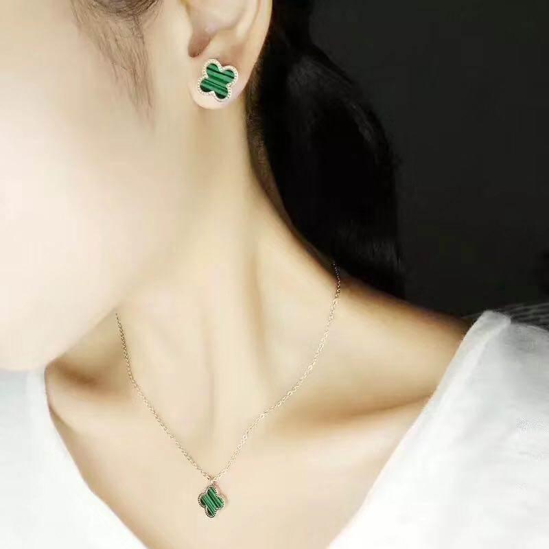 韩国韩版18K玫瑰金钛钢幸运四叶草耳钉女黑色耳环耳饰品时尚礼物