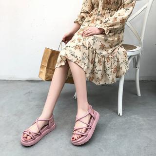 新款百搭夏季韩版仙女厚底凉鞋女网红爆款2020沙滩平底女鞋可下水