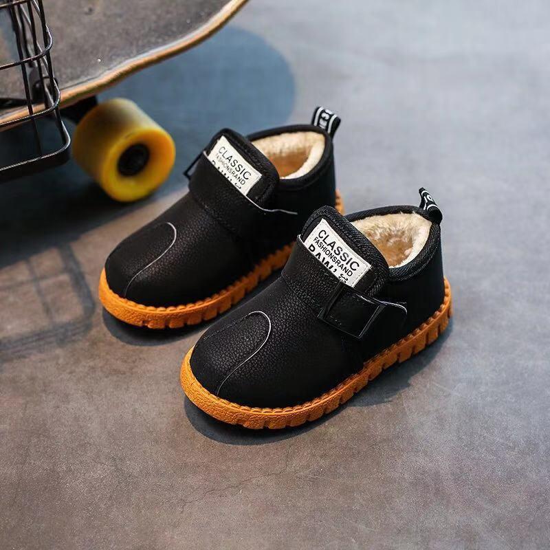 ファッション靴の中小子供子供用の靴、新しい赤ちゃん用の靴、秋冬の男性宝子供用の皮革、ダウン靴