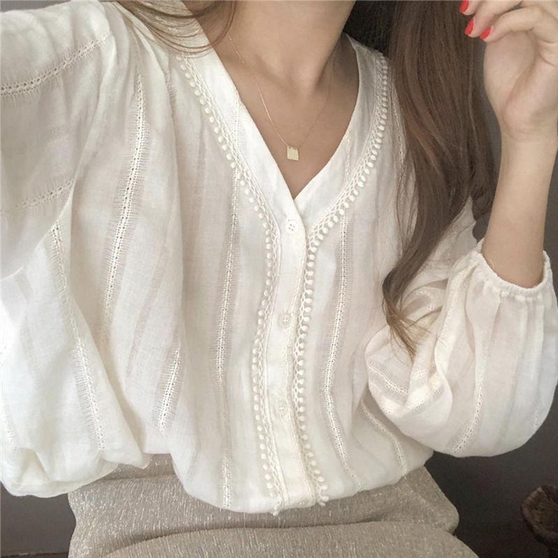 V领泡泡袖蕾丝衫女韩版白色长袖衬衣2021春夏衬衫宽松学生上衣女