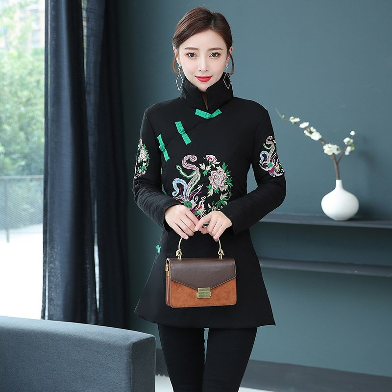 2020 New Retro disc buckle embroidered cotton padded clothes Chinese Tang womens middle and long thickened coat literary and artistic clothes autumn and winter