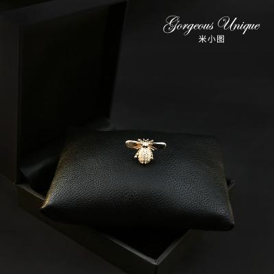 733 special high-grade exquisite bee Brooch button Mini Compact cardigan pin fixed clothing pin