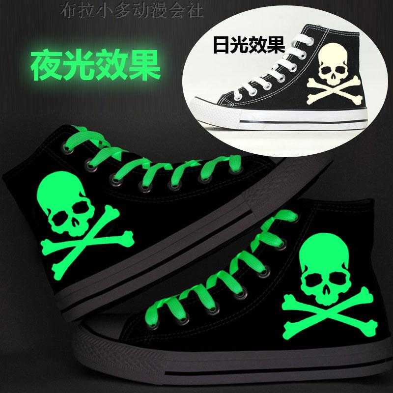 Cloth shoes, board shoes, animation, surrounding the original Sufeng night light, skull head printed shoes, male and female students, lovers, high help leisure
