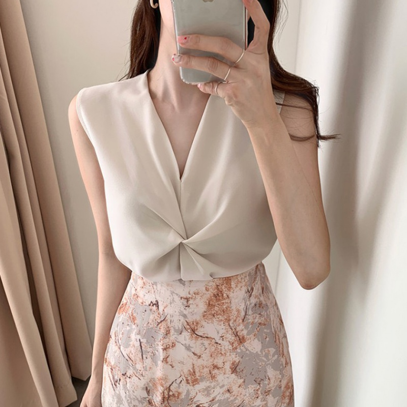 2020 summer Korean chic style simple fashion V-neck sleeveless solid color pleated vest suspender top for women