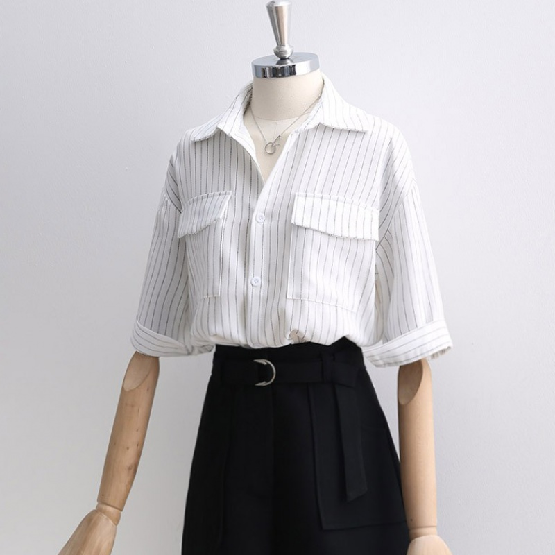 White striped shirt womens 2020 summer new style double pocket top half sleeve loose casual Lapel shirt