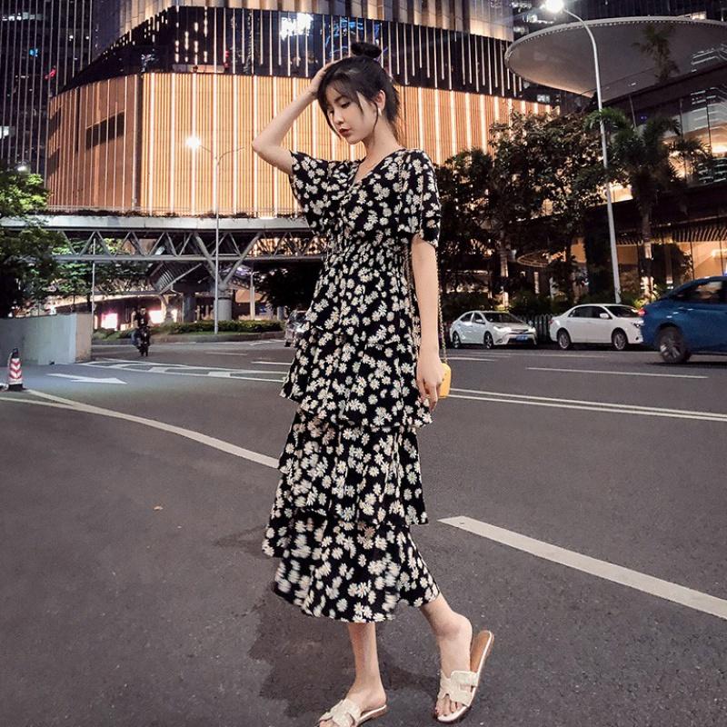 胖妹妹显瘦遮腹减龄裙子2020大码女装夏季适合胯大腿粗的连衣裙潮