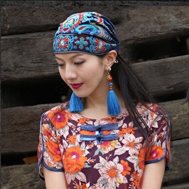 New w Xinjiang summer clothes versatile bag Embroidered Flower Hat characteristic national style hat versatile knitted jewelry dance multifunctional atmosphere
