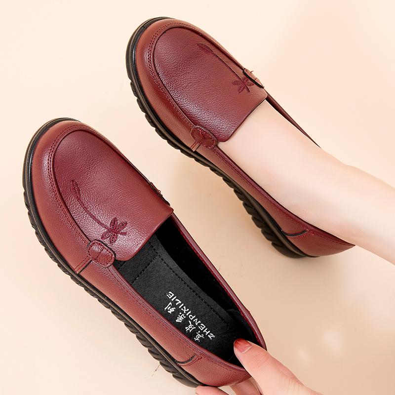 春秋妈妈鞋单鞋舒适软底平底中老年女鞋真皮中年老人防滑奶奶皮鞋