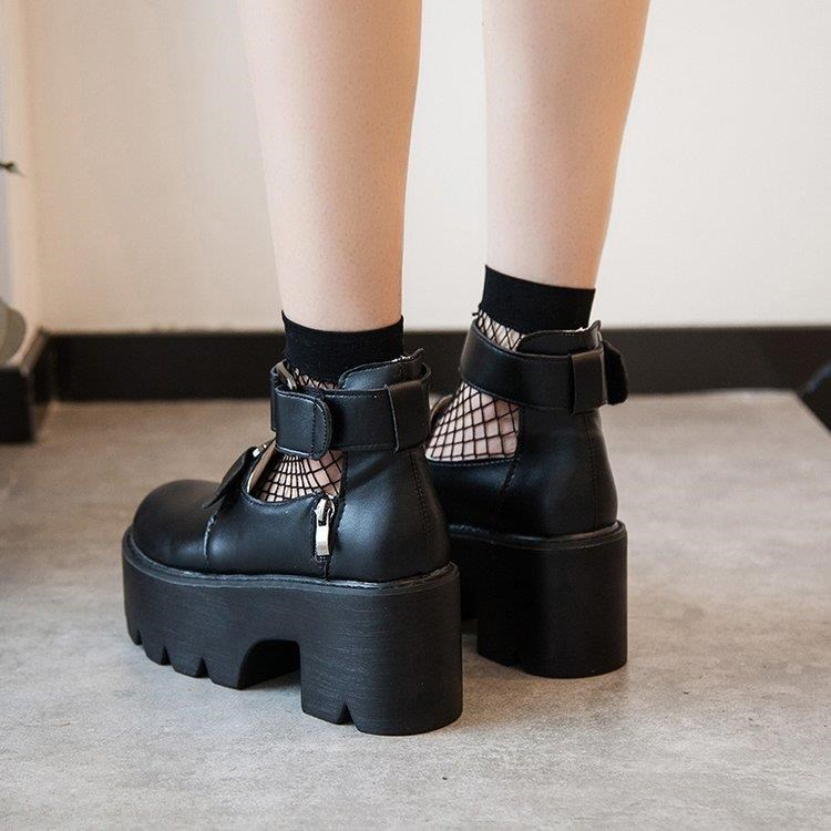 New chic leather shoes black little girl British Japanese college Cosplay thick bottom muffin shoes in spring 2019