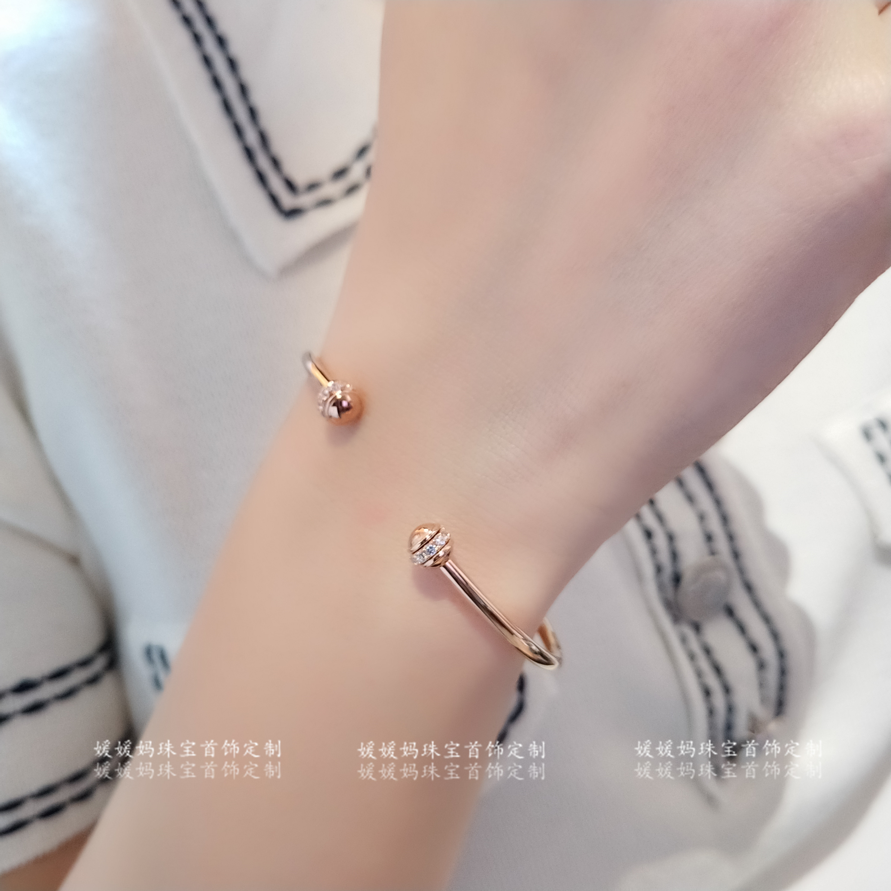 Genuine rotating Bracelet: 925ins European and American luxury lovers 18K plain ring open Elastic Bracelet