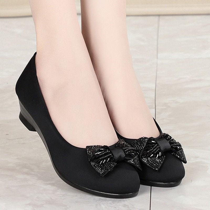 上班老北京布鞋女鞋工作鞋职业坡跟平底新款鞋女圆头鞋子中跟黑色