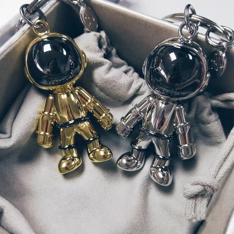 太空人宇航员钥匙扣网红金属高档男女情侣汽车挂饰链圈环书包挂件