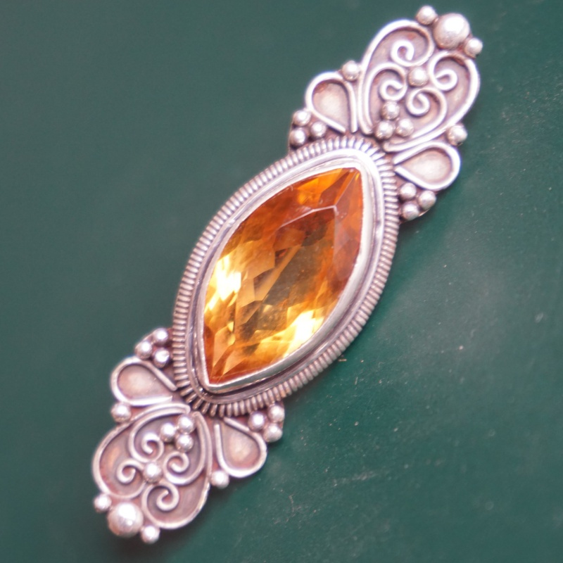 Pure silver brooch natural crystal brooch Nepalese handmade jewelry European and American antique GEM PENDANT dual purpose