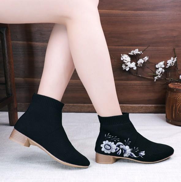 包邮民族风单靴针织复古女靴粗跟牛筋底短筒绣花靴春秋中国风布靴