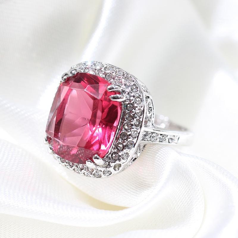 高端奢华珠宝仿真超大钻鸽血红碧玺食指戒指女镀白金浅蓝宝石方形