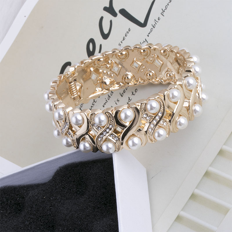 2019 new style exaggerated personality pearl open Bracelet net red versatile fashion hand ring hand adornment female Cuff Bracelet female