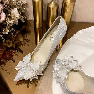 2021春秋新款蝴蝶结高跟鞋女细跟银色水钻婚鞋新娘婚纱伴娘公主鞋