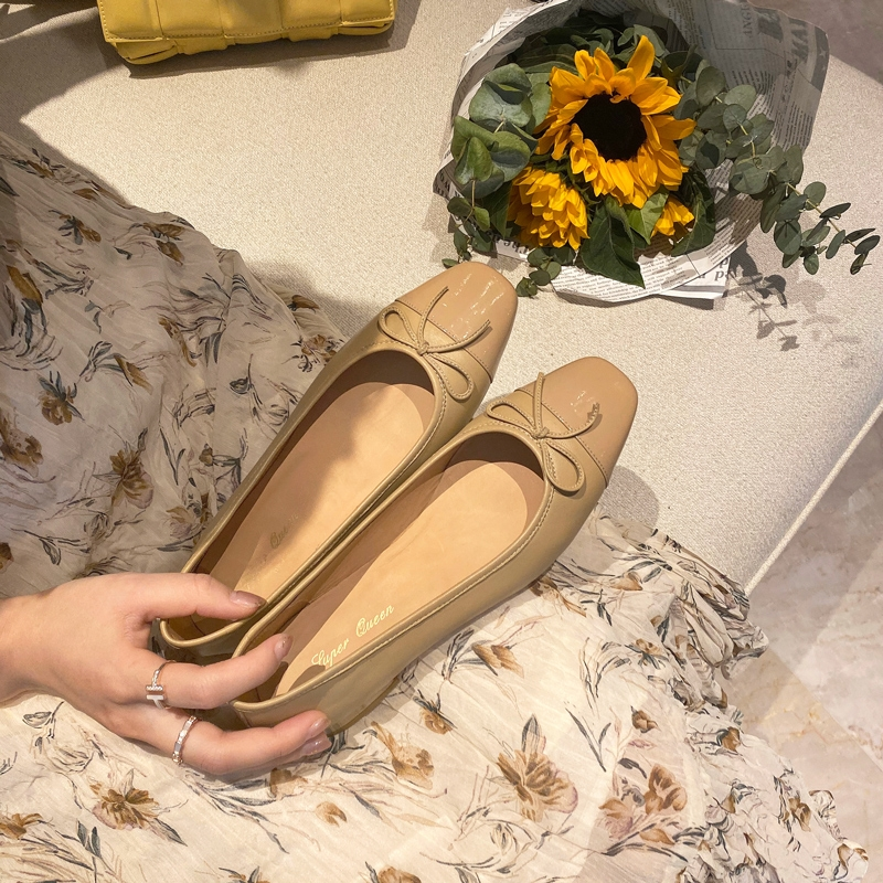 Super Queen summer new products are super good. Wear sheepskin square head bow single shoes and womens flat ballet shoes