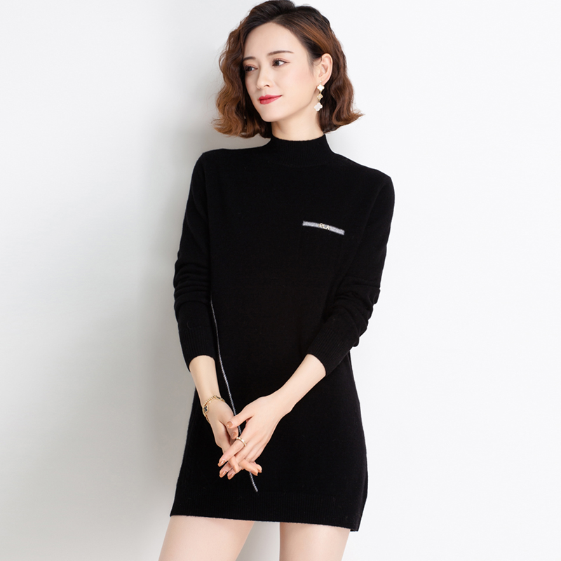 Xiang Yi language new pure wool sweater in winter medium length pure color half high collar knitted bottomed dress can be worn out
