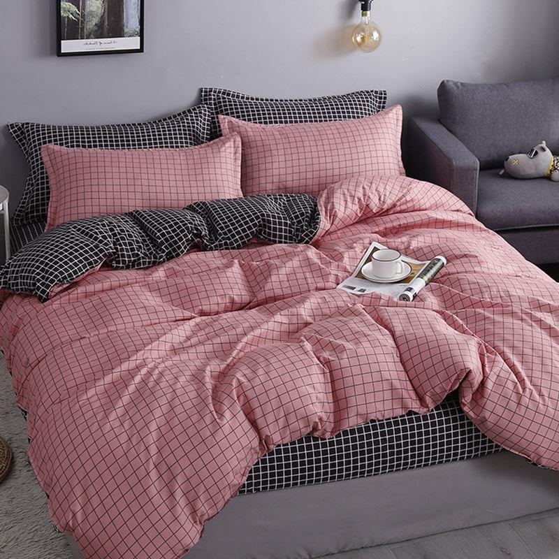冬の寮のベッドの上でスーツの3件の掛け布団は冬にシングル学生の1セットの帯に掛け布団の芯の4つのセットが枕の芯をくわえます