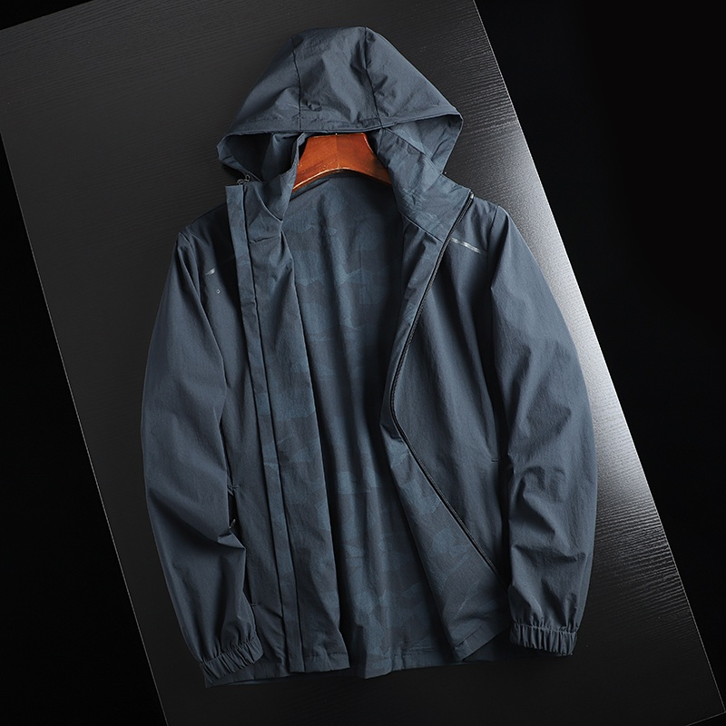 。 Outer V jacket breathable sports fabric outdoor stretch! Lightweight mens waterproof! Casual wear functional double