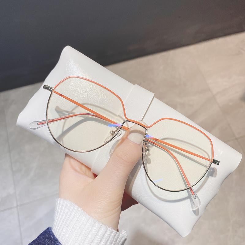 Anti blue shortsighted glasses female transparent glasses frame can be equipped with super light light plain Korean glasses frame.