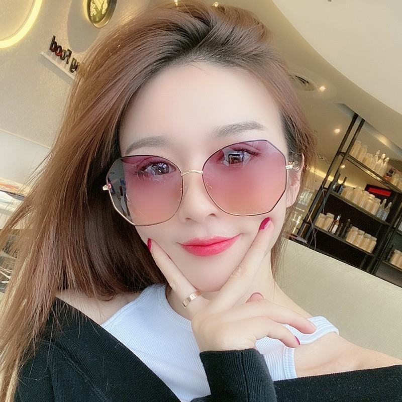 女用夏眼镜近视开车太阳度数拍照带的墨镜二合一太阳镜眼镜一体式