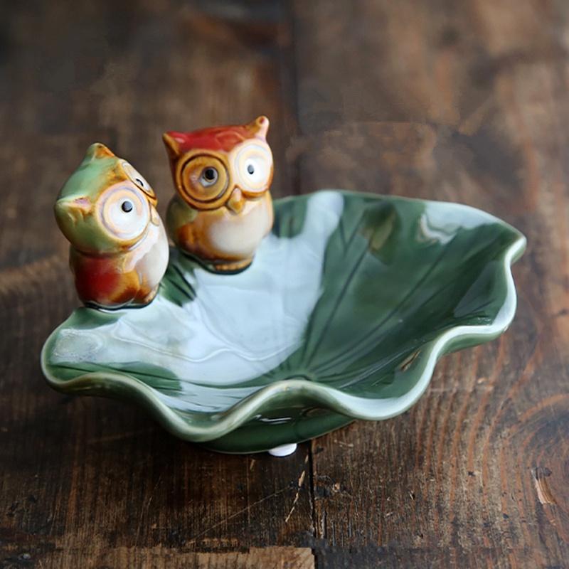 Package mail creative owl soap box ceramic three-dimensional retro ashtray storage key plate decorations.