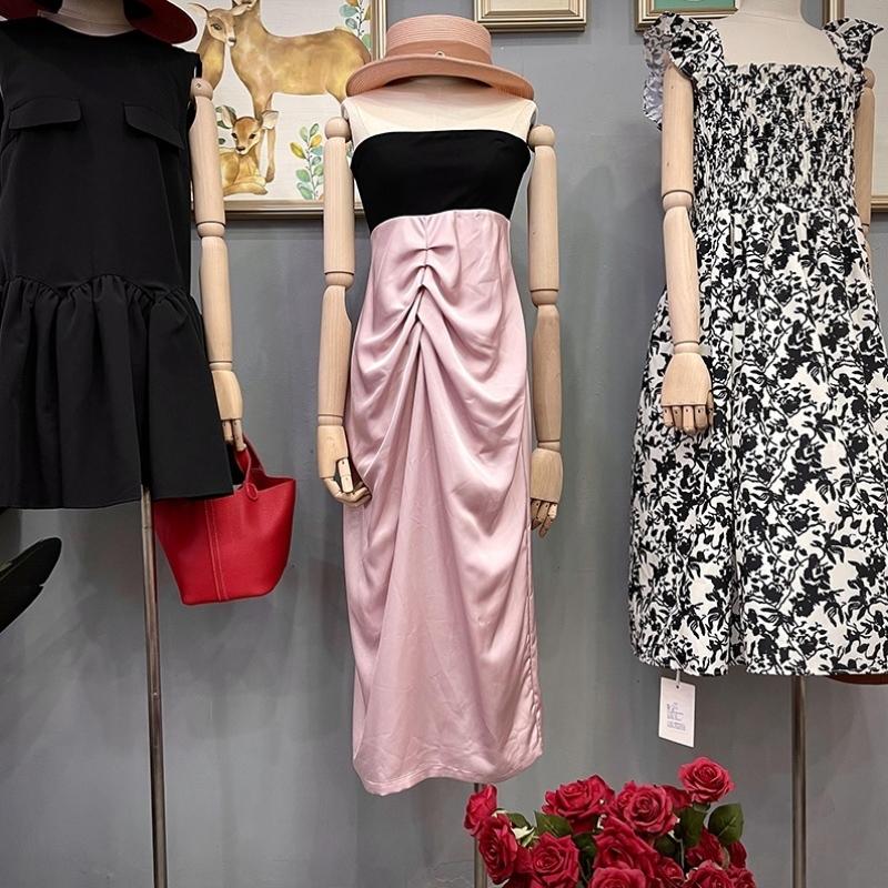 Summer new Korean womens dress temperament black splicing Jumpsuit Strapless skirt pleated high waist long skirt