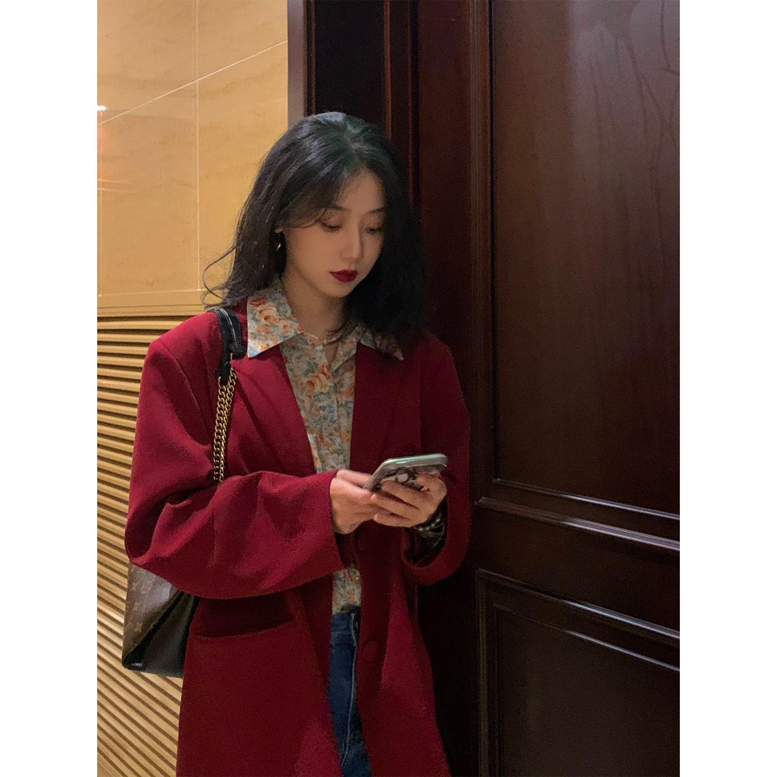 鹭青一复古西装外套女2020秋新款韩版宽松炸街气质红色小西服上衣