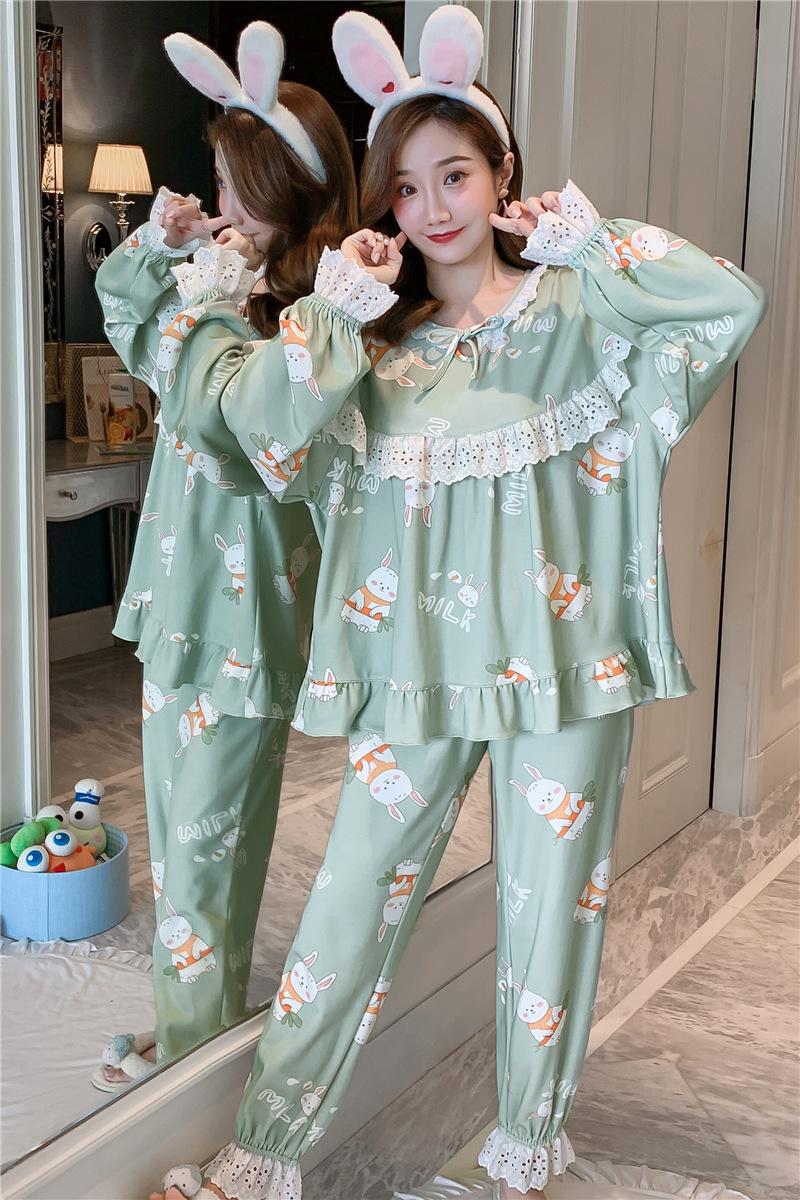 パジャマの女性は春秋の外で秋の女性を着ることができます。