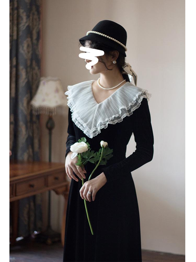 早秋法式复古金丝绒连衣裙洋气高贵女高端春秋季拼接黑色长袖长裙