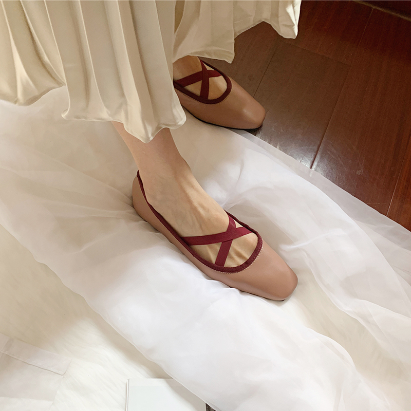 。 French single shoes dress 2021 new sweet Cross Square Ballet Flat Bottom