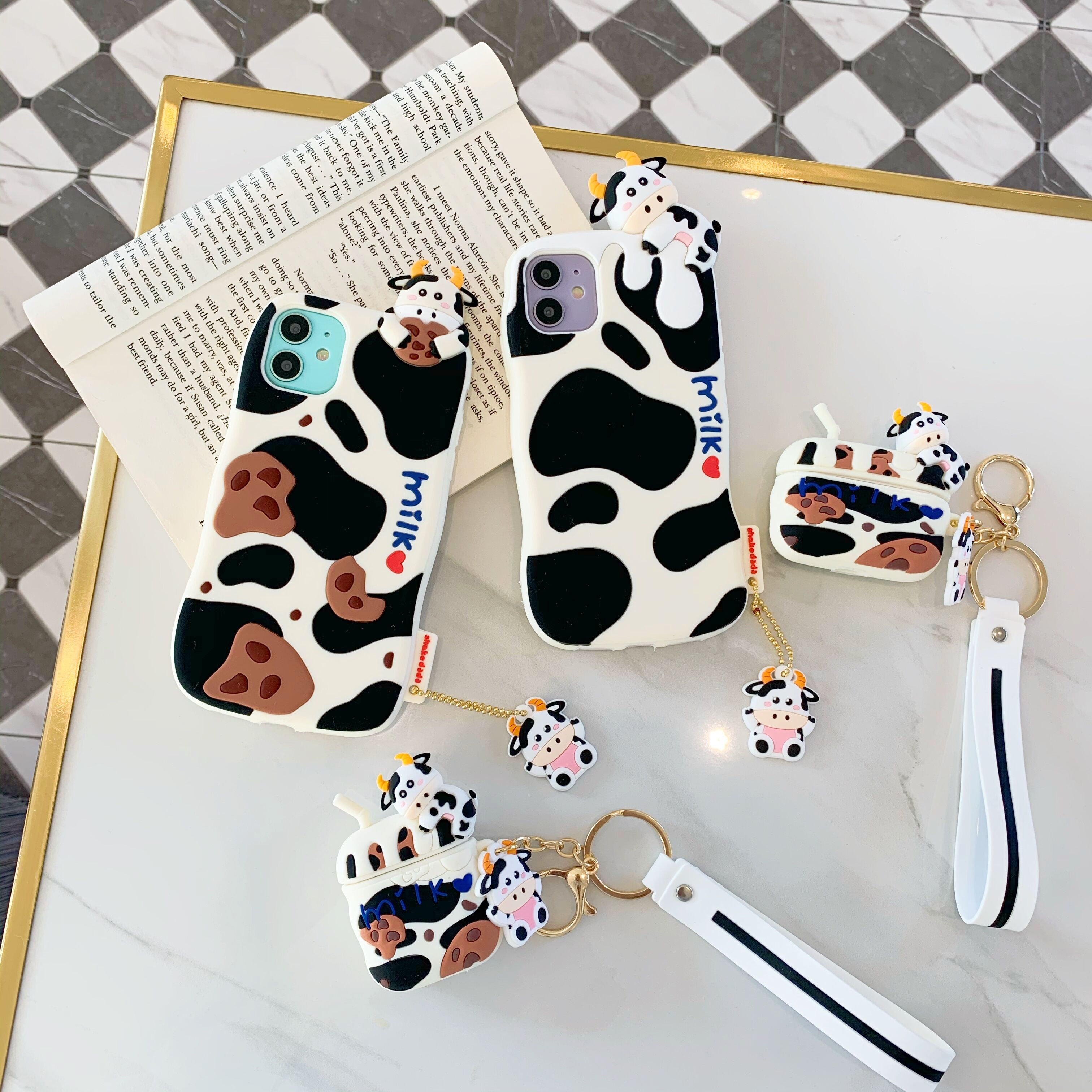 タオバオ仕入れ代行-ibuy99 iphone 创意个性卡通奶牛立体硅胶手机壳适用苹果iphone12/7p8p/11耳机壳