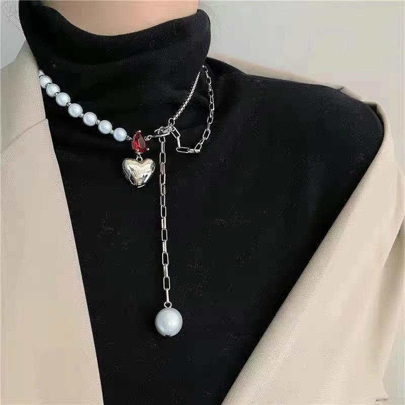 Japan and South Korea luminous Bead Necklace dark personality broken love red gem punk metal retro Necklace