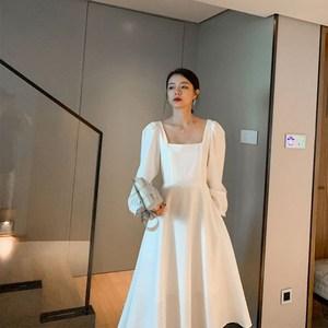 法式赫本风春夏白色炸街连衣裙
