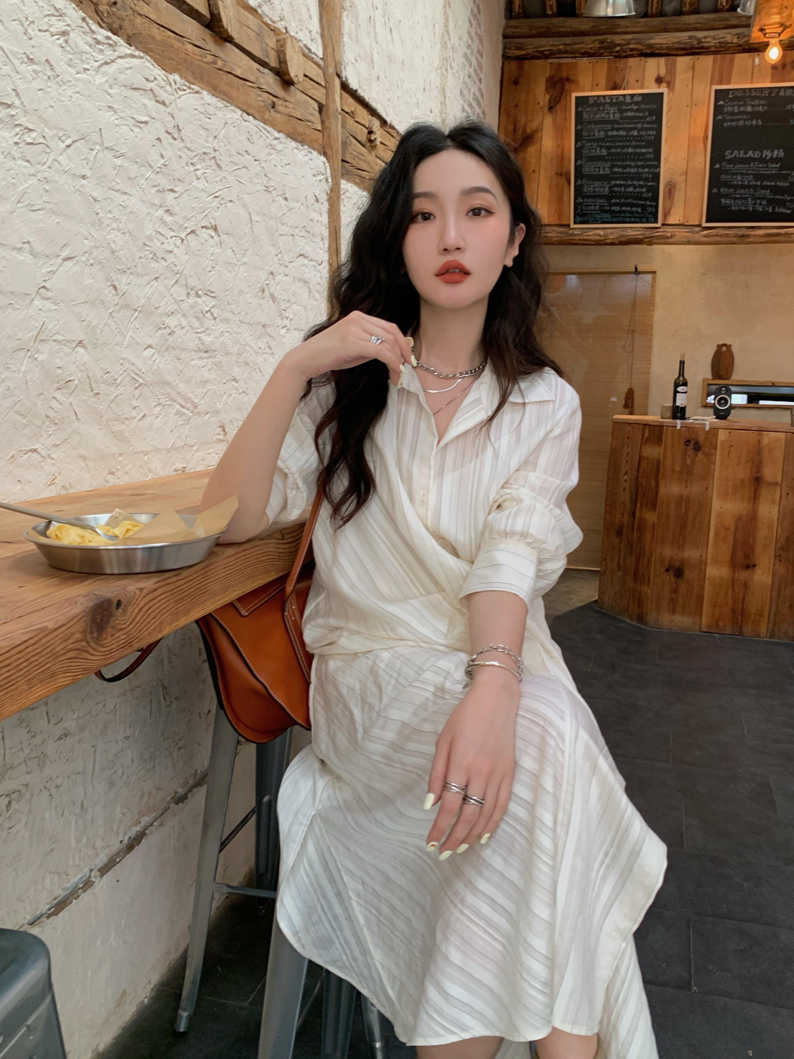任小艺Lit e mode法式白色条纹衬衫连衣裙薄款收腰设计感小众长裙