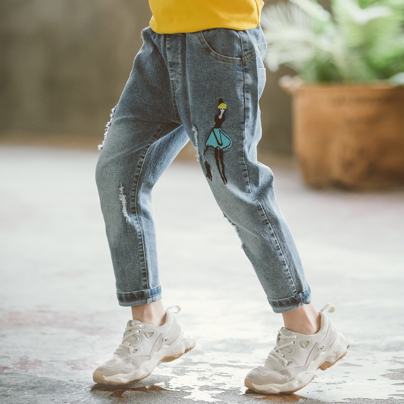 Childrens pants play cattle. Childrens large version of Tong Songxin s pants wide baby womens casual autumn clothes 2021 off pants Tong Li medium women