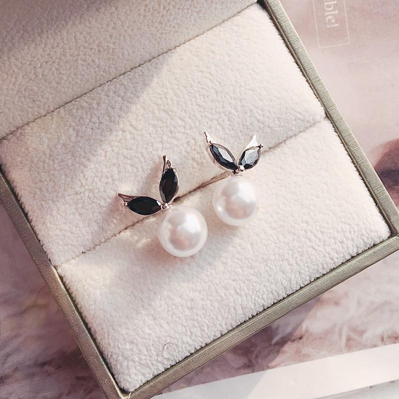 韩版可爱的小兔子耳朵黑色水晶Z锆石925纯银耳针耳钉耳环女 防过