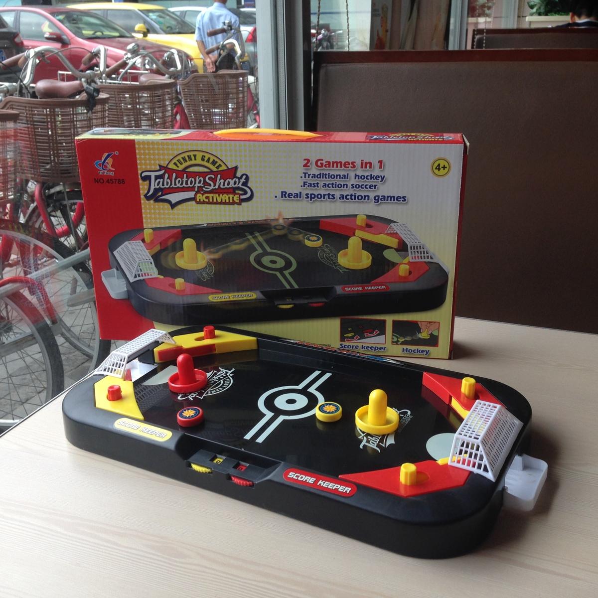親子ゲームのテーブル遊び子供二人家族のおもちゃテーブルの上のインタラクティブデスクトップアイスホッケー+イギリス式サッカー台のプレゼント