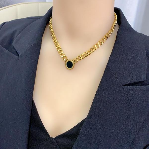 Black round brand thick chain titanium steel necklace femininity clavicle chain fashion European and American exaggerated neck chain versatile collar fashion