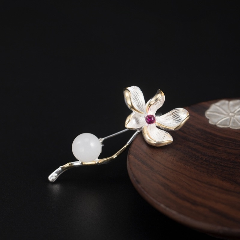 S925 silver Hetian jade Brooch female high-end luxury new fashion Chinese style Gardenia sweater accessories gift