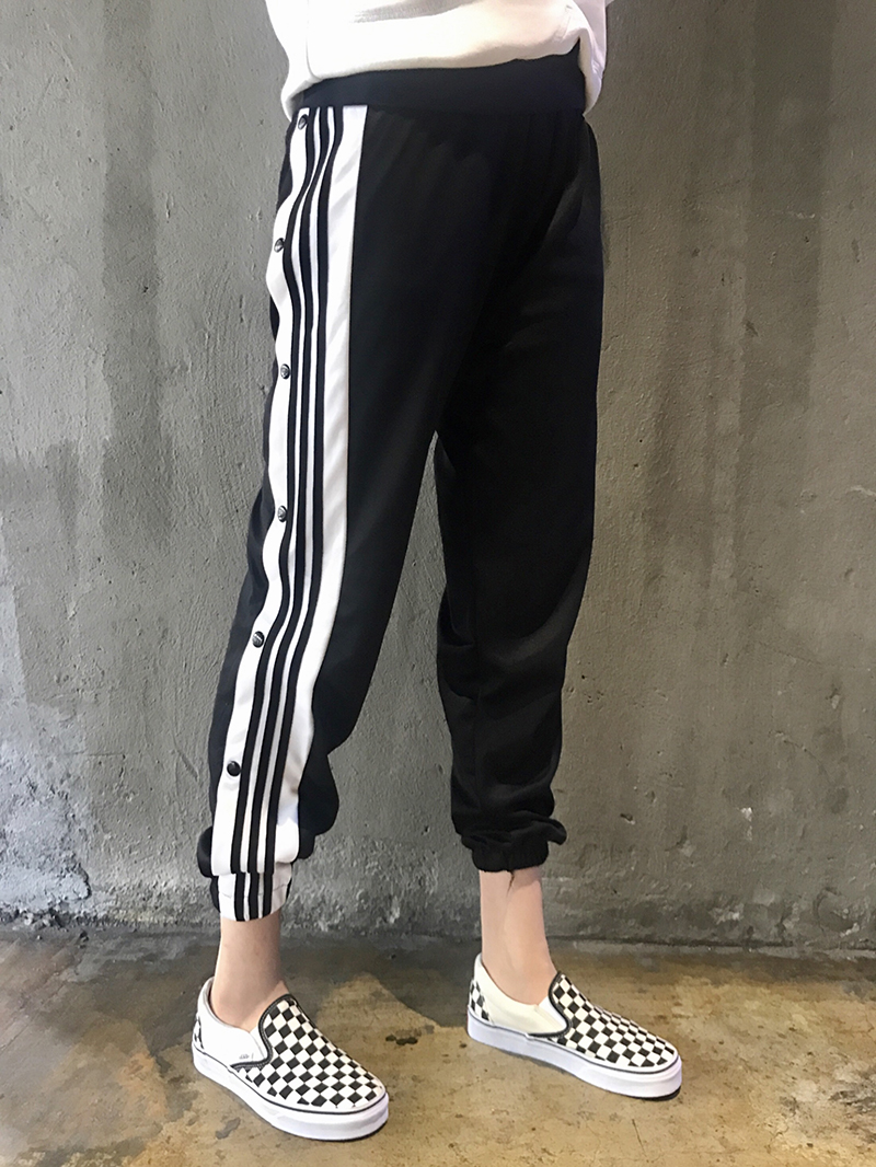 2021 spring and autumn side button black and white striped legged sweatpants womens loose casual Harlan PANTS SCHOOL UNIFORM Leggings