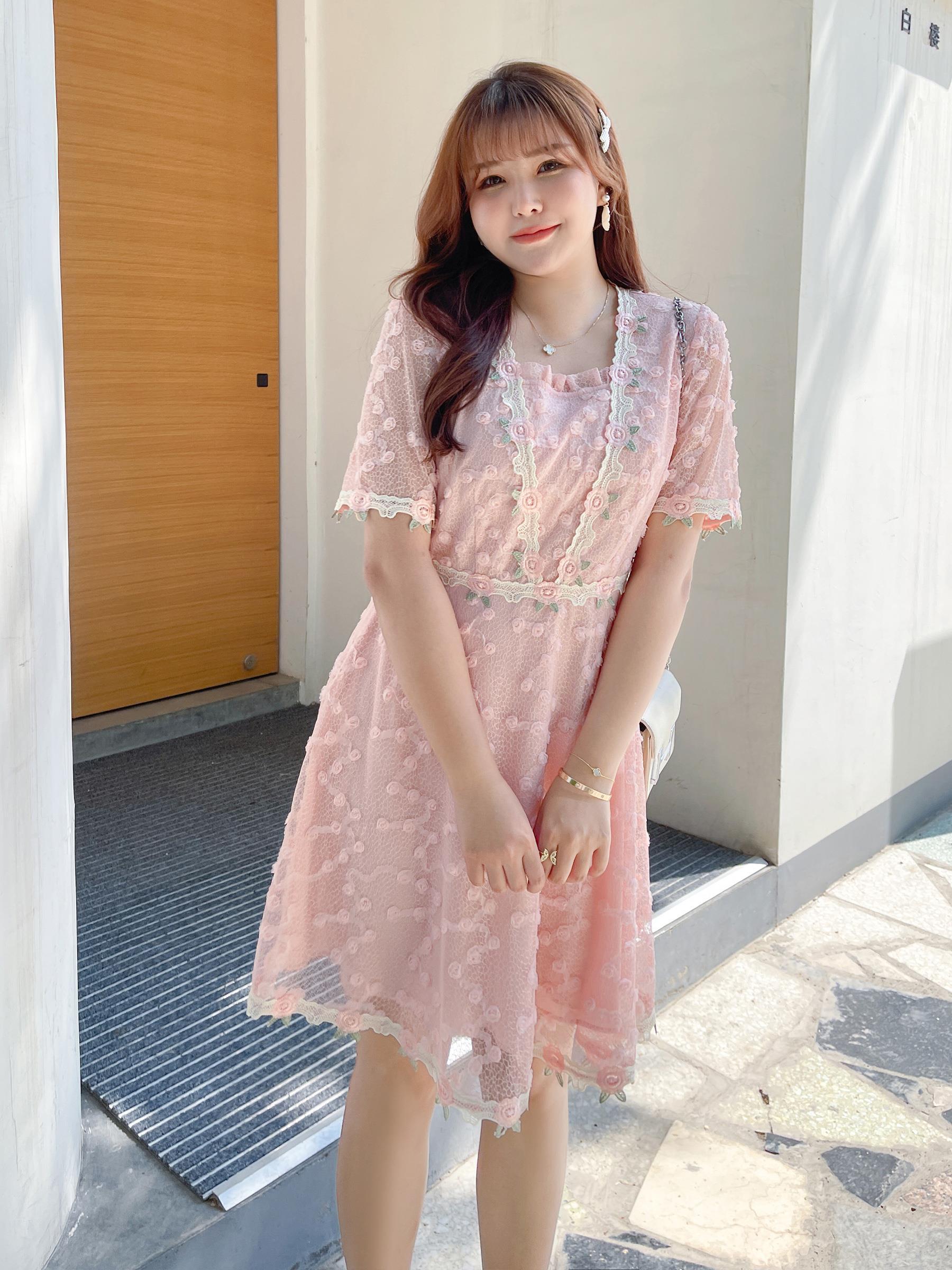 尚@2021年夏季新款大码女装宽松蕾丝连衣裙减龄裙子胖mm显瘦遮肚