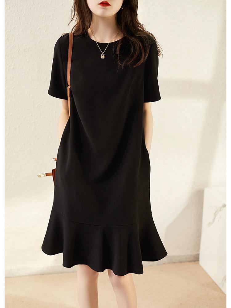 慕言缇新款极简法式气质宽松中腰圆领显瘦纯黑色赫本风鱼尾小黑裙