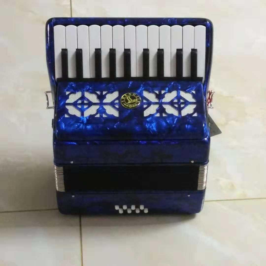 新款8贝司斯22键儿童手风琴新款升级木质琴箱音色洪亮。